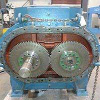 Is vacuum pump oil the same as compressor oil?