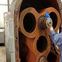 What is the principle of vacuum pump?
