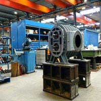What is the working principle of vacuum pump?